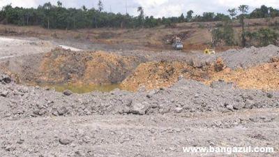 pencemaran-air-dan-tanah-akibat-tambang.jpg